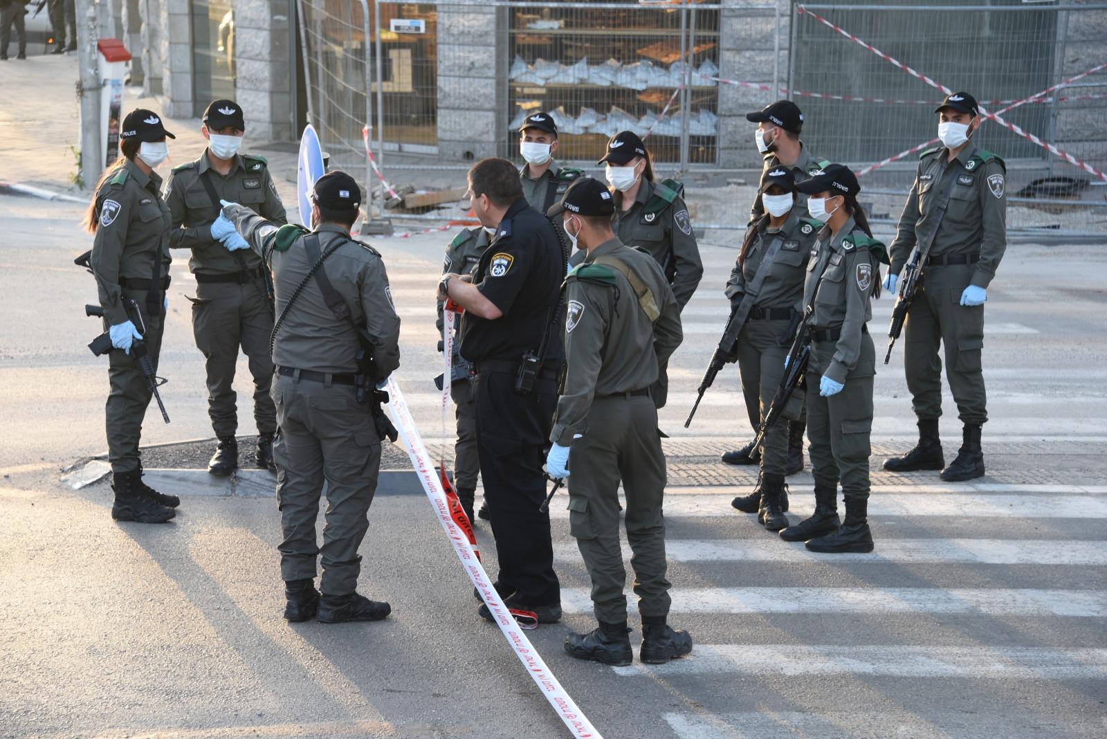 полиция в Израиле закрывает город