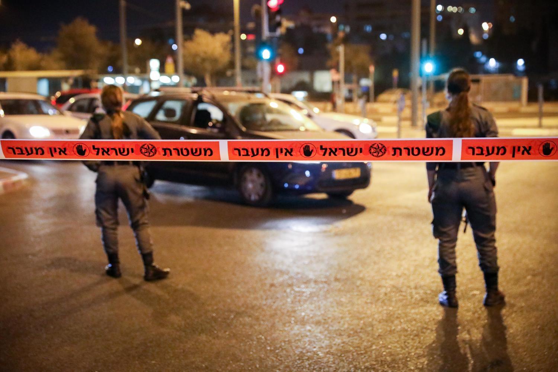 полиция блокирует проезд