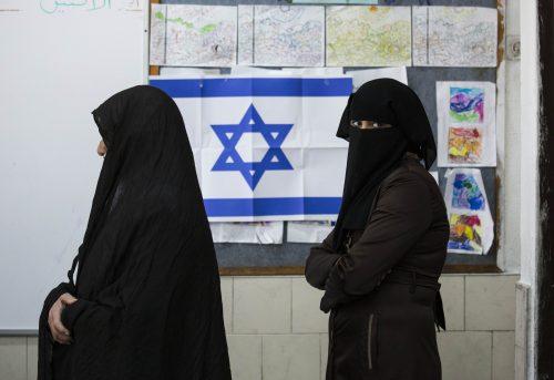 Молодые арабы не спешат прививаться