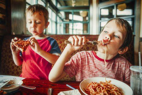 Детей не пустят в кафе в Израиле